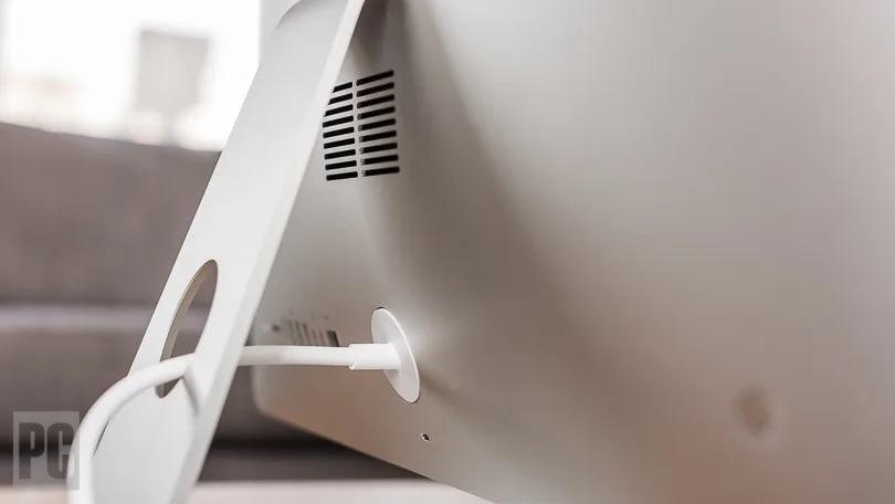 khe tản nhiệt của iMac 21.5 inch 2013