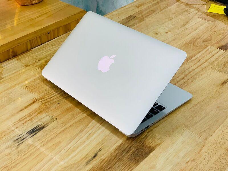 MacBook Air 13 inch 2015