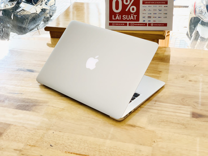 MacBook Air 13inch 2016