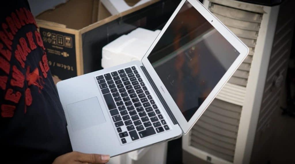 đánh giá macbook pro MJLQ2