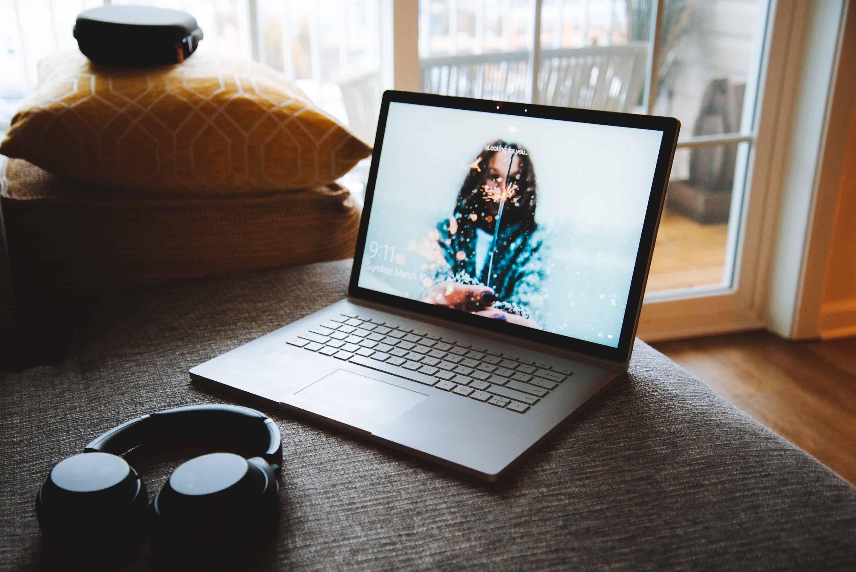 am-thanh-tren-surface-book-2-laptopvang.com