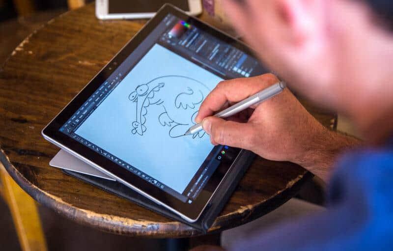 Bút Surface Pen vẫn chưa cảm nhận được độ nhấn nhá của nét vẽ