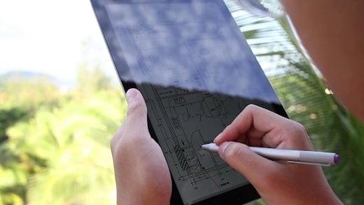 Surface 3 có thể thay thế cho màn hình xách tay khá ổn