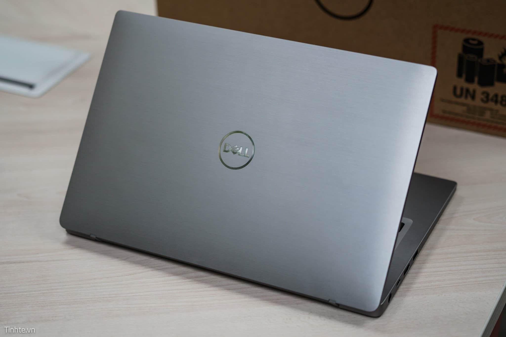 ngoai hinh dell latitude 7400_laptopvang.com