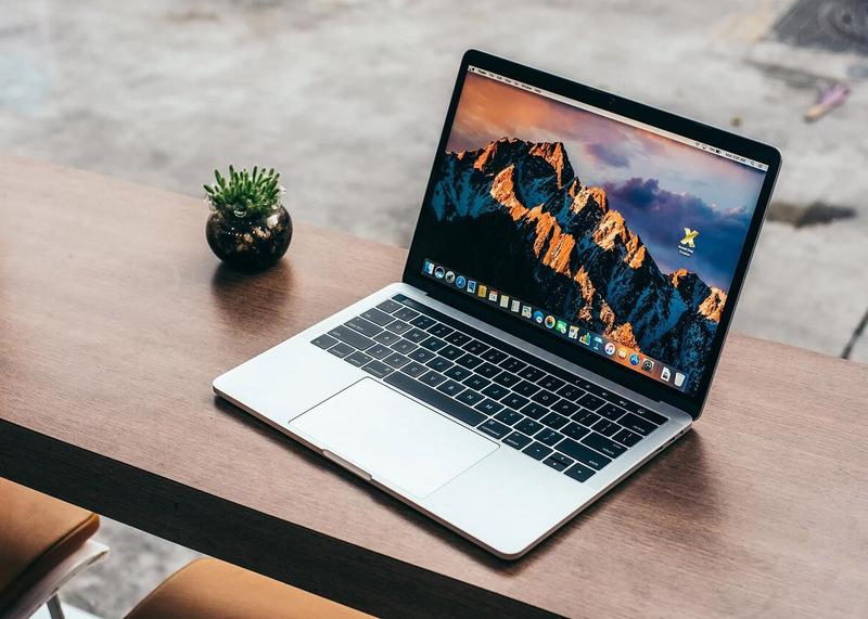 MacBook Pro 13 inch 2017 touchbar