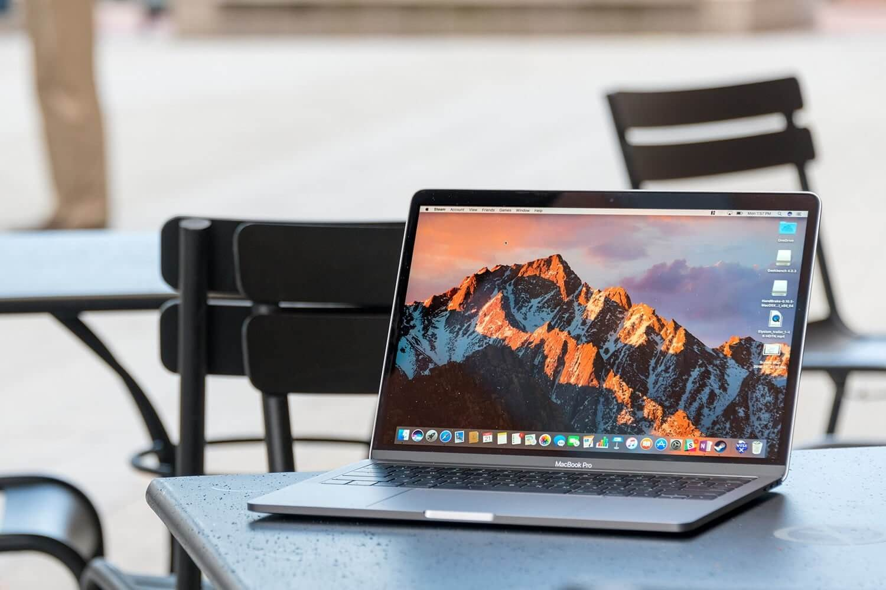 macbook for graphics design