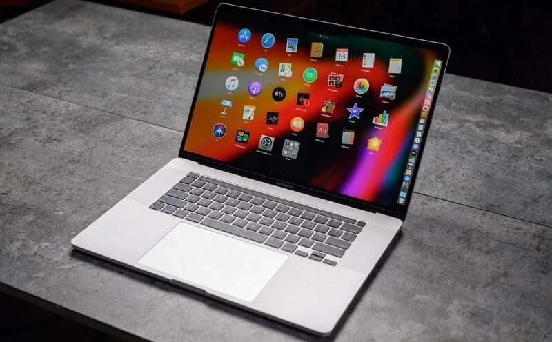 macbook pro làm đồ họa