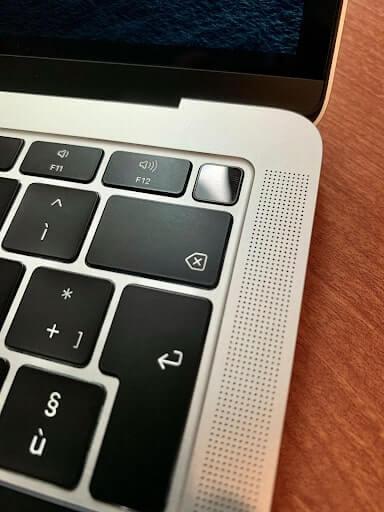 giá macbook air 2020
