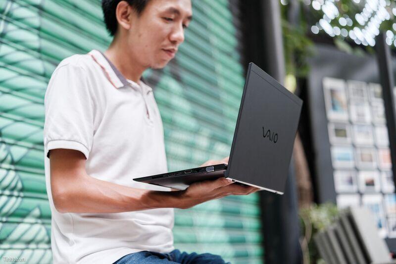 tren_tay_vaio_sx_14_dong_hanh_cung_tinhte.vn_laptopvang