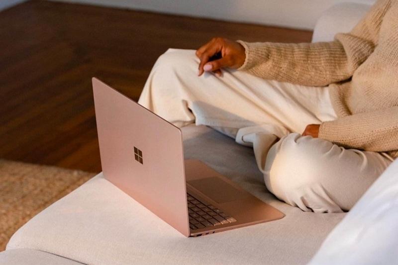 surface laptop 2021