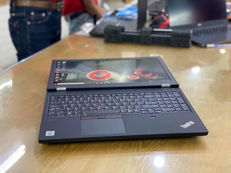 Lenovo ThinkPad T15g nằm ngửa